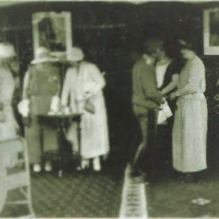 Kralj Aleksandar,kraljica Marija, Stanka Lozanić i Jelena Lozanić Frotingam 1927. poseta-Frotingamovom domu u Vranju